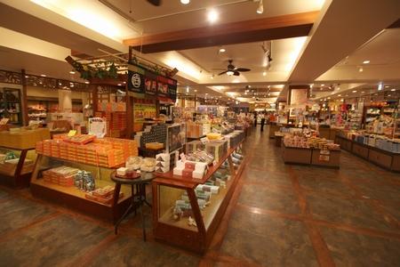 沖縄フルーツランド・店内(横):No.0044