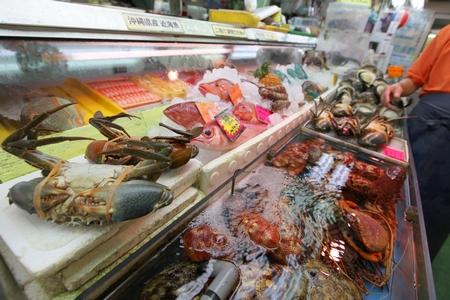 牧志公設市場・鮮魚店(横):No.0057