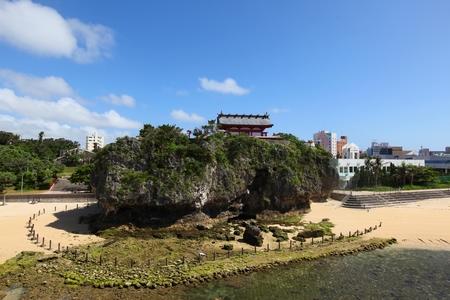 泊大橋からの波之上宮・正面(横):No.0099