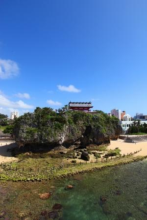 泊大橋からの波之上宮・正面(縦):No.0100