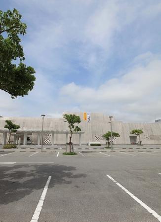 沖縄県立博物館・美術館・外観(縦):No.0046