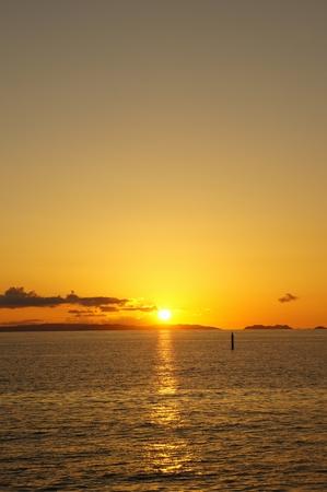 豊崎美らSUNビーチからの夕日(縦):No.0624