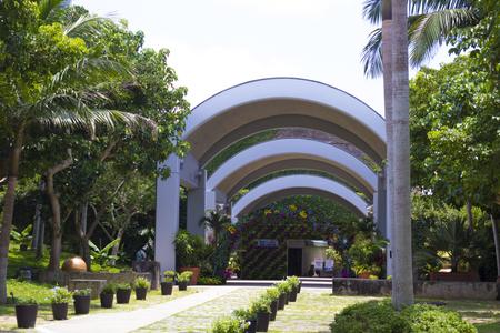 熱帯ドリームセンターへの通路(横):No.1359