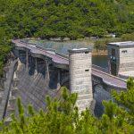 漢那ダム・高台から見た堤体(横):No.2267