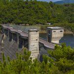 漢那ダム・高台から見た堤体(横):No.2271