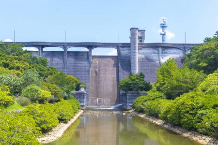 漢那ダム・洪水吐き・正面(横):No.2274
