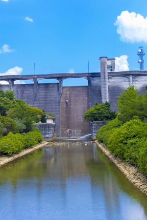 漢那ダム・洪水吐き(縦):No.2279