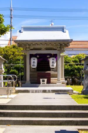 泡瀬ビジュル・社殿正面(縦):No.2323
