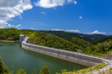 大保ダム・車道とダム湖(横):No.2114