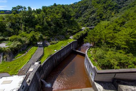 辺野喜ダム・洪水吐きの上から見た景色(横):No.2131