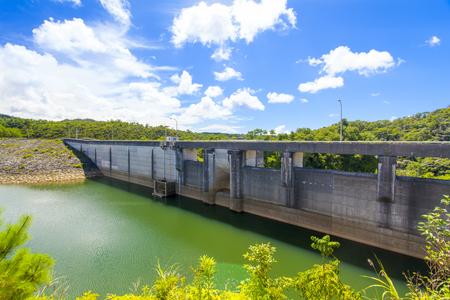 辺野喜ダム・堤体とダム湖(横):No.2133