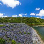福地ダム・周辺道路とダム湖(横):No.2188