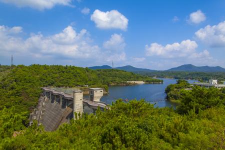 漢那ダム・ダム湖と周辺の森(横):No.2238