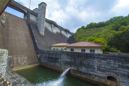 漢那ダム・下流洪水吐き(横):No.2245
