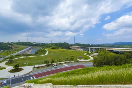 金武ダム・高台から見た広場(横):No.2246