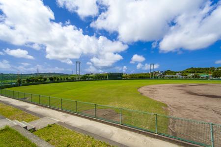 東風平野球場・外野観覧席から見たグラウンド(横):No.2303