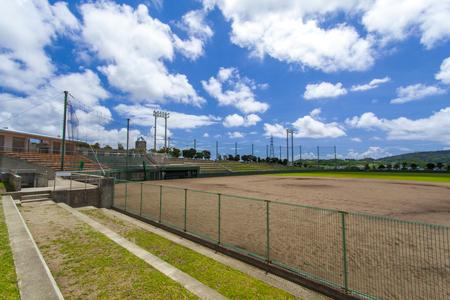 東風平野球場・外野観覧席から見たグラウンド(横):No.2305