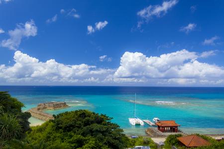 Gala青い海から見える海&三重城と港(横):No.2379