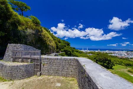 浦添グスク・ようどれ「墓室」からの眺望(横):No.2472