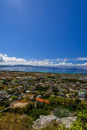 城山(伊江島タッチュー)山頂からの景色(縦):No.2390