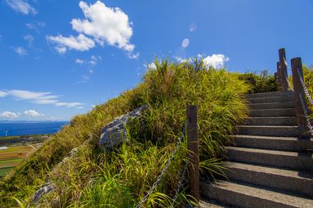城山(伊江島タッチュー)山頂付近の階段(横):No.2394