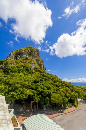 城山展望台からの城山(伊江島タッチュー)(縦):No.2399