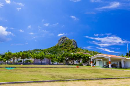 伊江村ミースィ公園からの城山(伊江島タッチュー)(横):No.2406