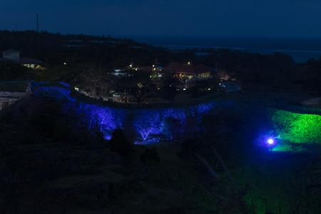 今帰仁グスク桜まつり・遠景からの城壁のライトアップ(横):No.3636